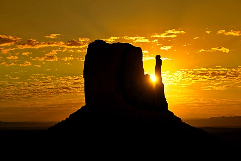 Mesa of West Mitten Butte at sunrise, Monument Valley, Navajo Tribal Park, Navajo Nation Reservation, Arizona, Utah, Southwest, United States of America, USA