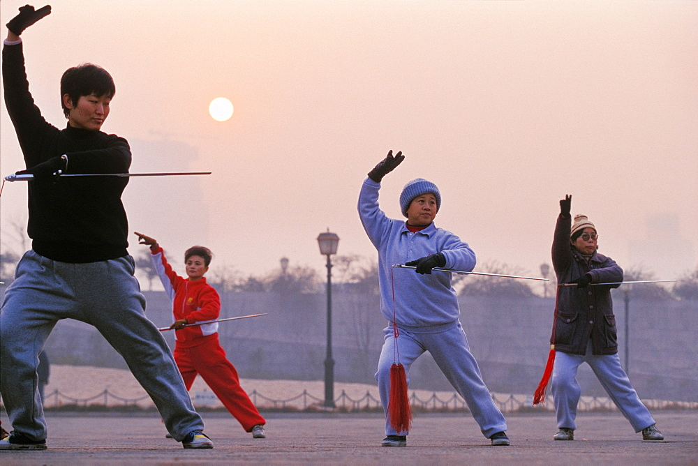 Women practising Tai Chi at dawn in Shanghai, China, Asia - 832-374828