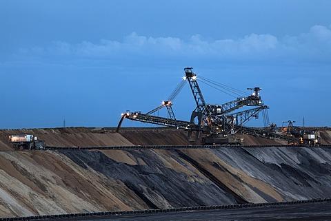 Open-cast lignite mining, spreader, Jüchen lookout point, Garzweiler open-cast mine, Jüchen, North Rhine-Westphalia, Germany, Europe