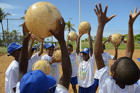 Soccer event for children and teenagers from poor neighborhoods, Festival da Bola, social project of the Deutsche Gesellschaft für Internationale Zusammenarbeit, GIZ, German Federal Enterprise for International Cooperation, Salvador da Bahia, Bahia, Braz
