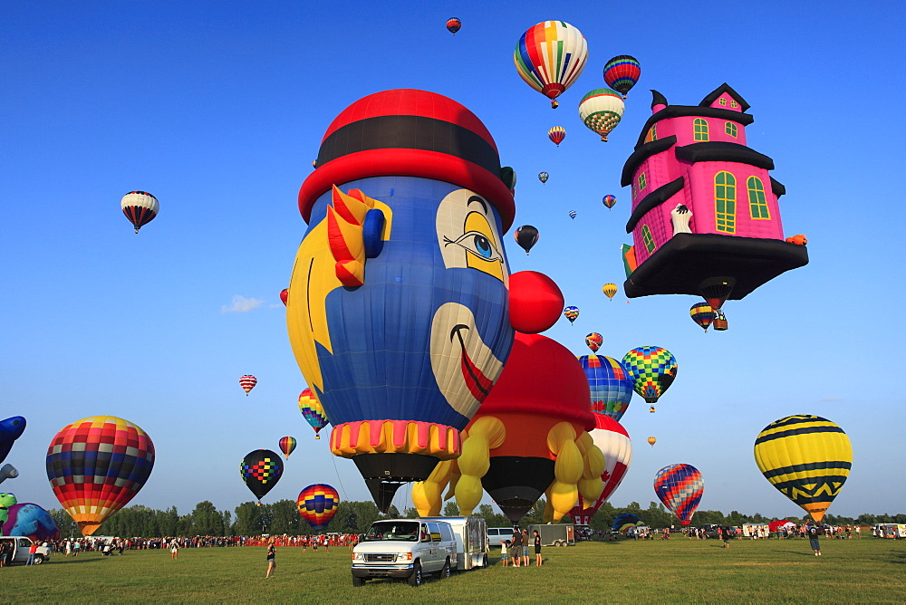 Ballooning Festival at Saint-Jean-sur-Richelieu, Quebec, Canada, Saint-Jean-sur-Richelieu, Quebec Province, Canada, North America