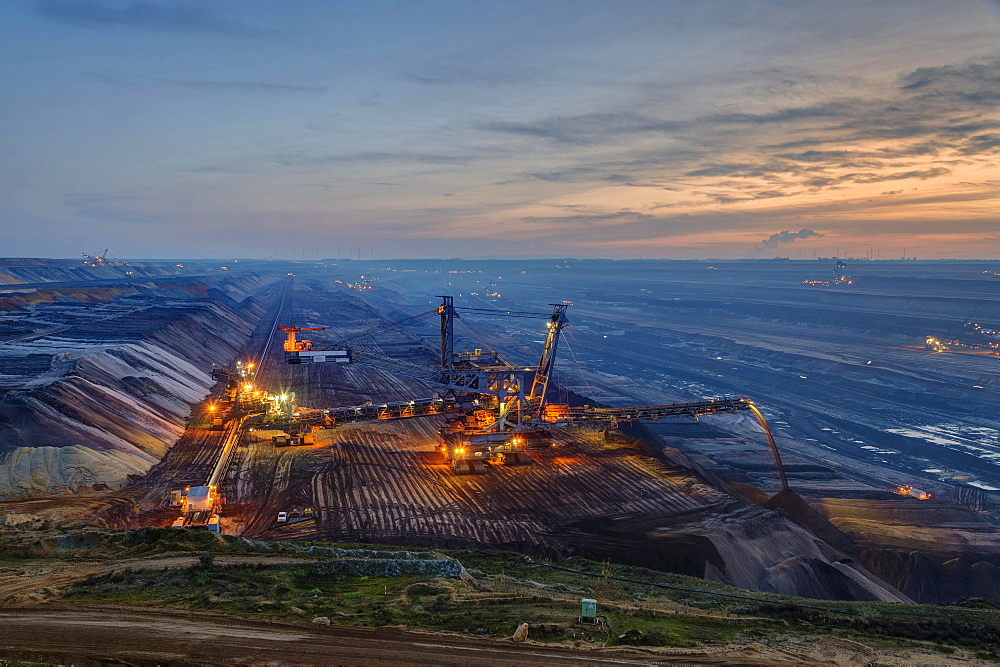 Stacker in the Garzweiler open pit in the blue hour, Grevenbroich, North Rhine-Westphalia, Germany, Europe