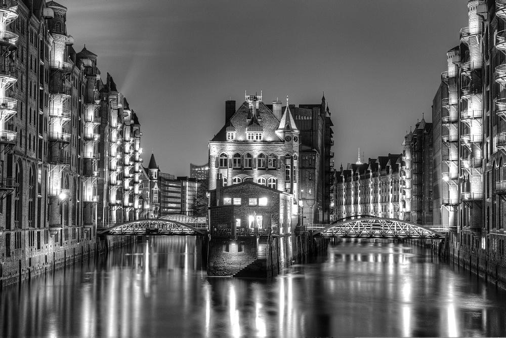 Wasserschloesschen water castle at night, Speicherstadt, Hamburg, Hamburg, Germany, Europe