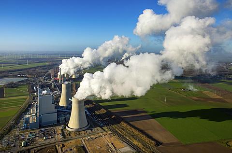 Neurath lignite power plant, RWE Power energy company, vapor cloud, plume, emission, Grevenbroich, Rhineland, North Rhine-Westphalia, Germany, Europe - 832-378639