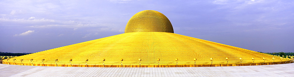 Buddhist temple Wat Phra Dhammakaya, Mahadhammakaya Cetiya, Khlong Luang District, Pathum Thani, Bangkok, Thailand, Asia