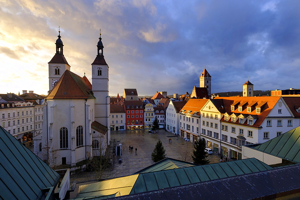 City view with Neupfarrkirche, Neupfarrplatz, Regensburg, Upper Palatinate, Bavaria, Germany, Europe