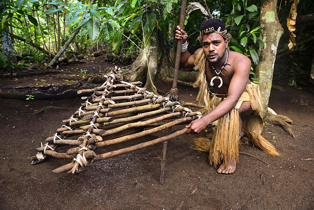 Native with built chicken trap, Ekasup Cultural Village, Island of Efate, Vanuatu, South Sea, Oceania