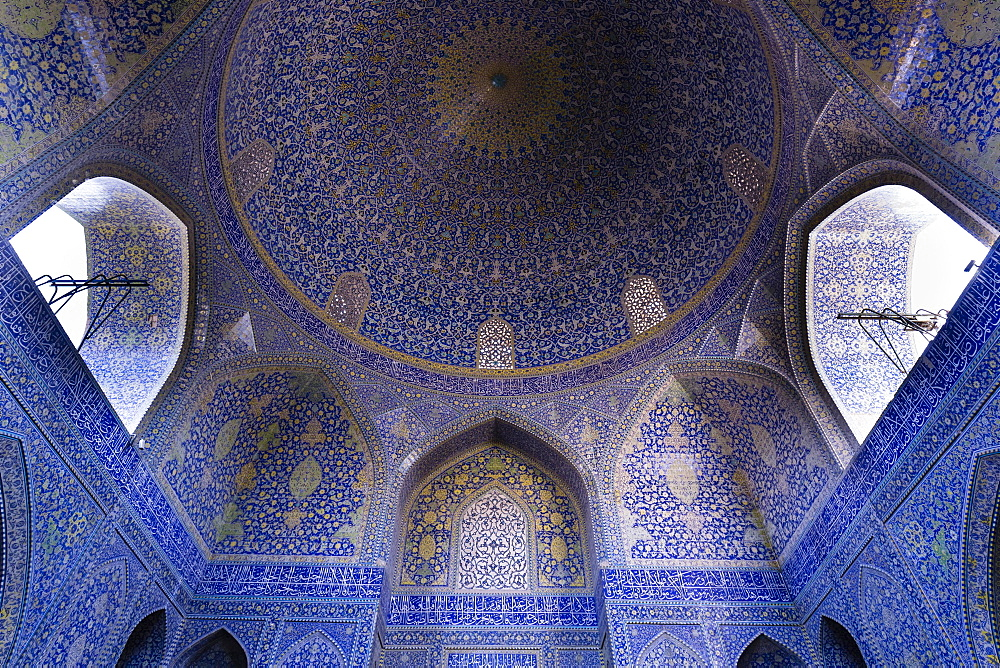 Inside Masjed-e Shah or Shah Mosque, Naqsh-e Jahan or Imam Square, Esfahan, Iran, Asia