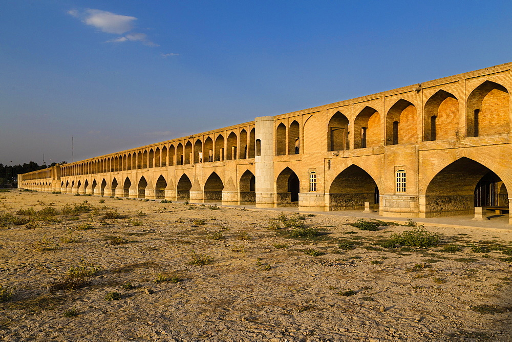 Si-o-Seh Pol or Si-o-Seh Bridge on the dried Zayandeh River, Esfahan, Iran, Asia