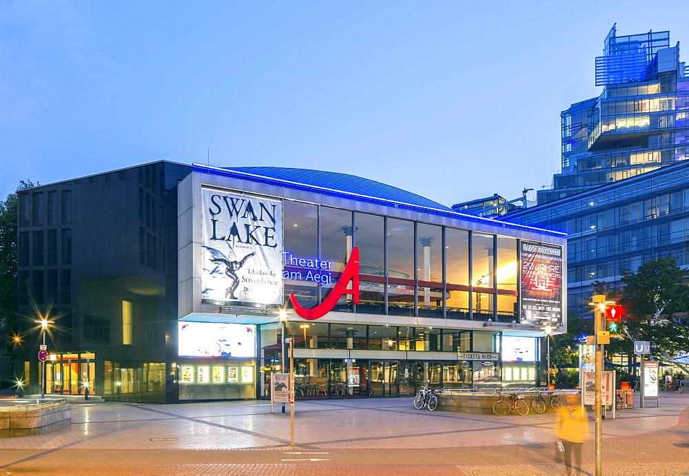 Theater am Aegi, Aegidientorplatz, evening twilight, Hannover, Lower Saxony, Germany, Europe