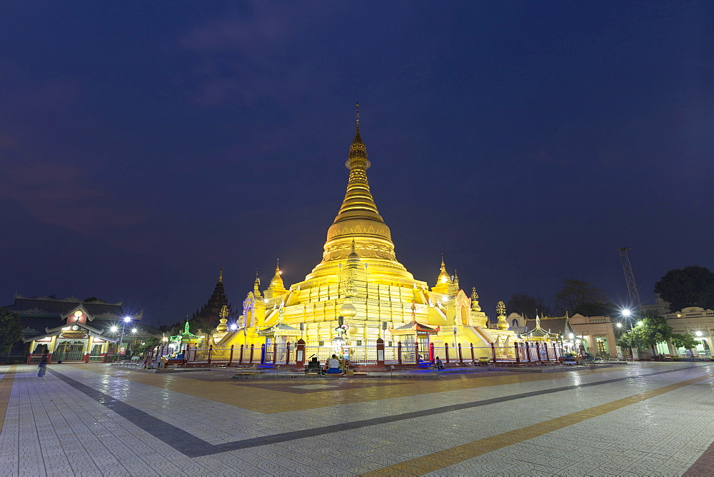 Stupa of the golden Eindawya Paya, Eindawya Pagoda, at night, Mandalay, Myanmar, Asia