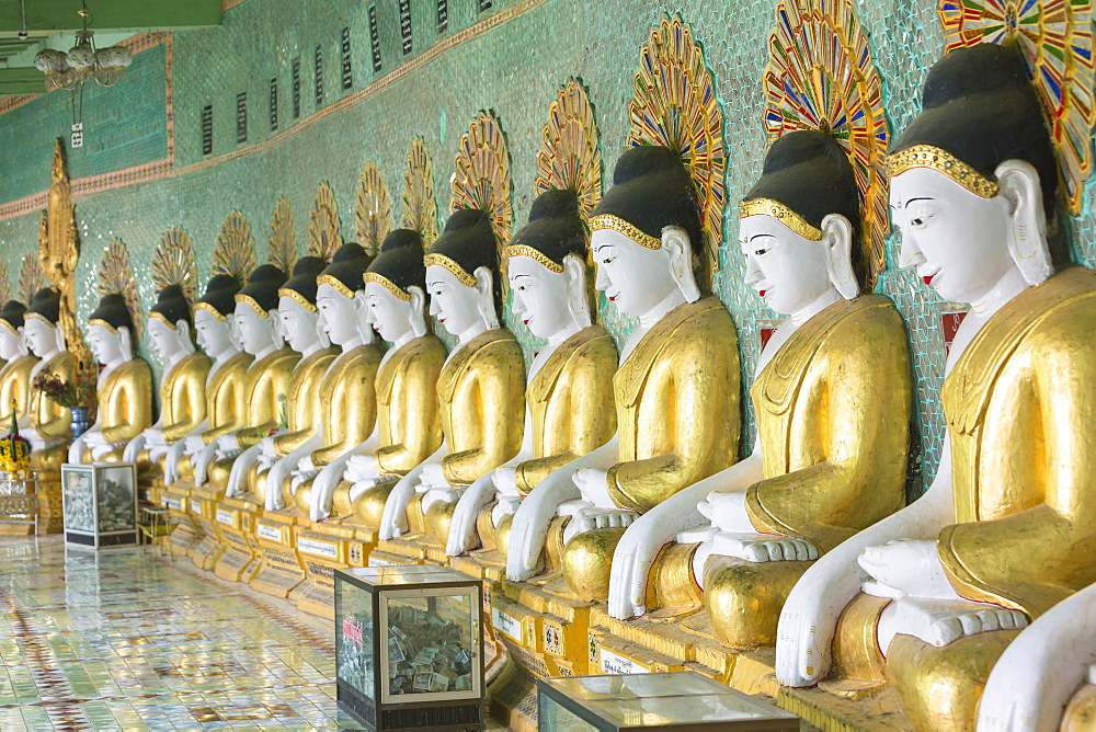 Buddha statues, Umin Thounzeh pagoda, Sagaing, near Mandalay, Myanmar, Asia