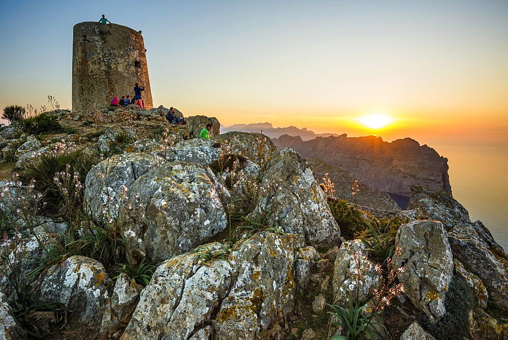 Sunset, Watchtower Talaia d'Albercutx, Cap Formentor, Port de Pollença, Serra de Tramuntana, Majorca, Balearics, Spain, Europe