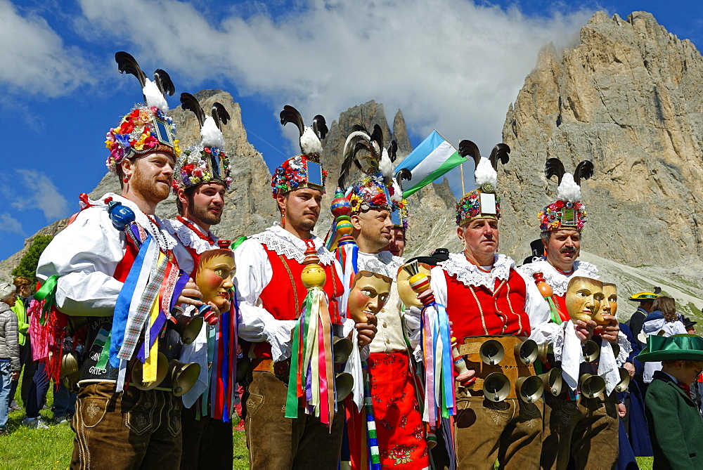 Grop de La Mescres, Ciannacei, Canazei, carnival costume, local costume group, Fest zur ladinischen Einheit 1946, Sella, Dolomites, South Tyrol, Italy, Europe