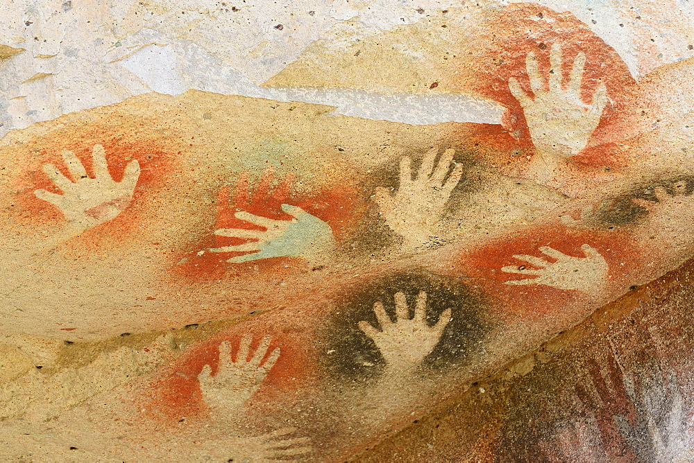 Cave paintings in the Cave of Hands, Cueva de las Manos, UNESCO World Heritage Site, Santa Cruz Province, Argentina, South America