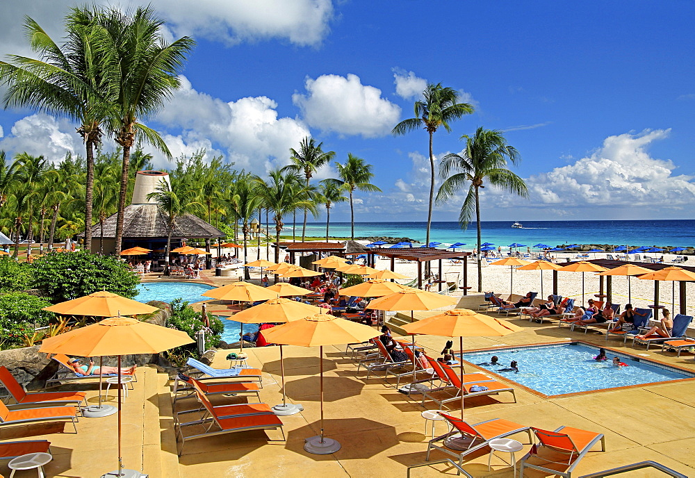 Swimming pool and beach of the Hilton Hotel, Brigdetown, Barbados, Caribbean, Lesser Antilles, West Indies, Central America