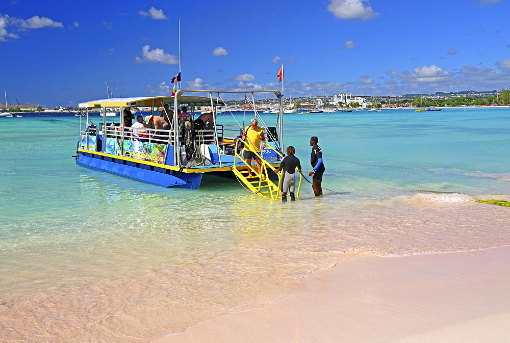 Excursion boat for divers on Pebbles Beach, Carlisle Bay, Bridgetown, Barbados, Lesser Antilles, West Indies, Caribbean Islands, Central America