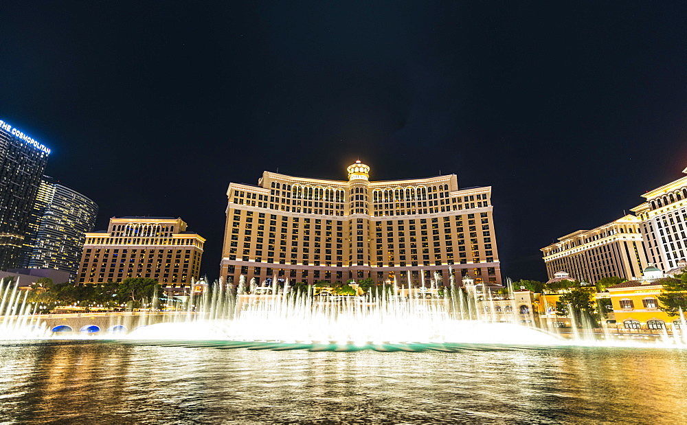 Fountains in front of Bellagio Hotel, luxury hotel, Las Vegas Strip, Las Vegas Boulevard, Las Vegas, Nevada, USA, North America