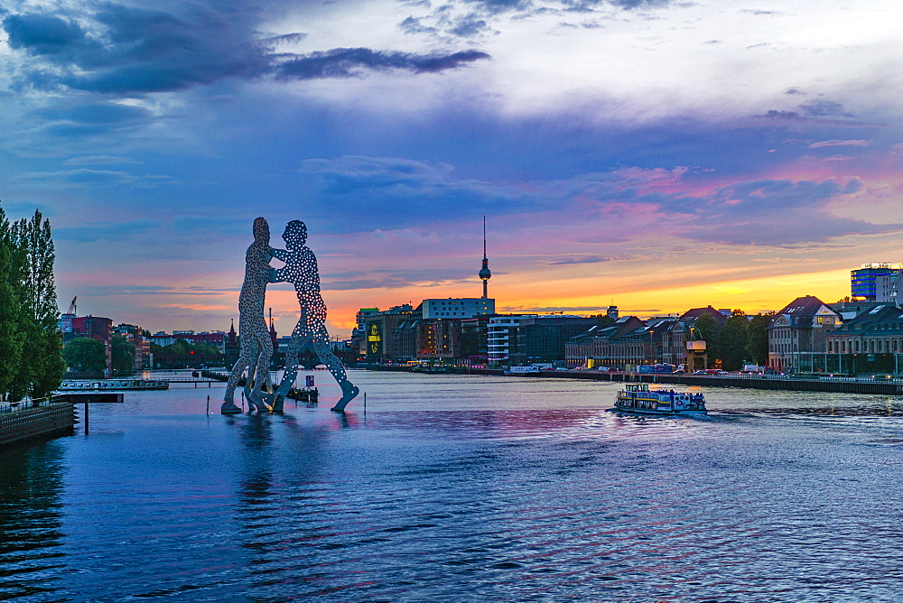 Molecule Man, monumental artwork by Jonathan Borofsky by Jonathan Borofsky, River Spree, TV Tower, sunset, Treptow, Berlin, Germany, Europe