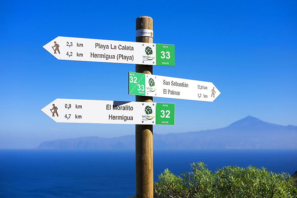 Signposts for hikers, Hermigua, La Gomera, Canary Islands, Spain, Europe