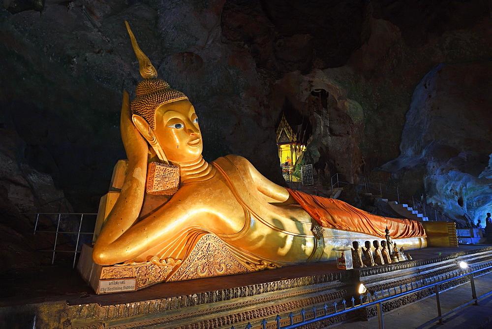 Lying golden Buddha in the cave temple Wat Tham Suwan Khuha, Phang Nga, Thailand, Asia