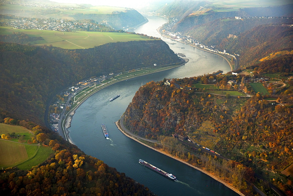 Loreley, slate rock formation, UNESCO World Heritage Upper Middle Rhine Valley near St. Goarshausen, Rhine Valley, Rhine, Rhineland-Palatinate, Germany, Europe