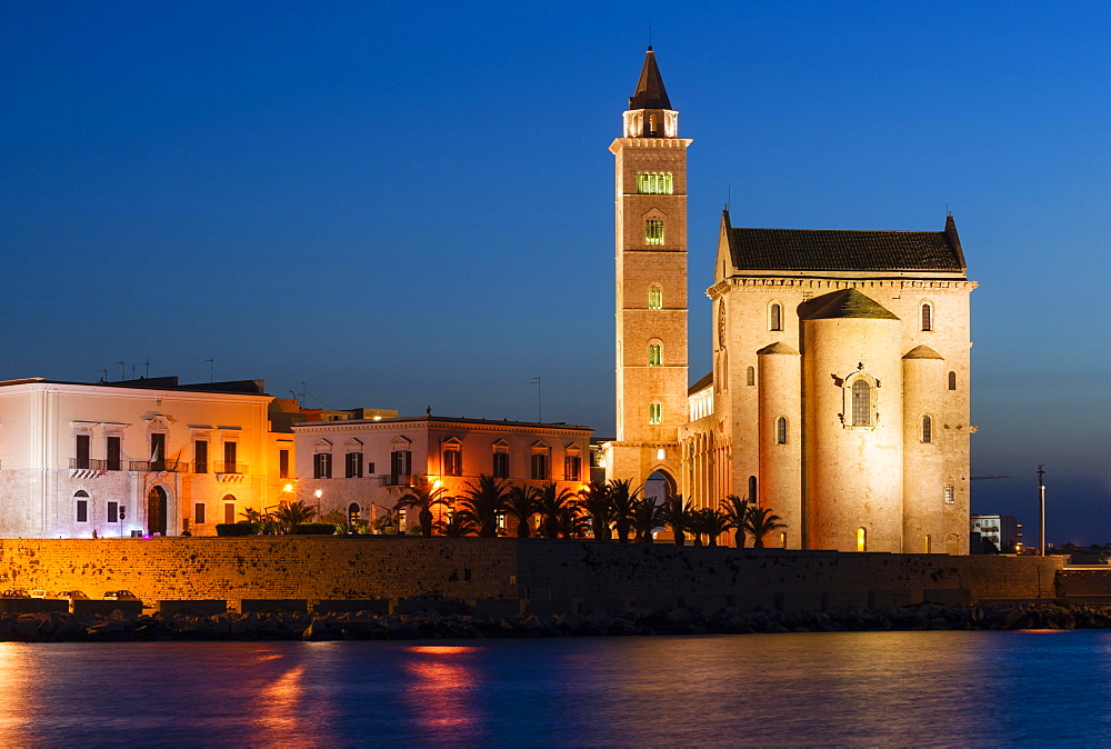Blue Hour, Gothic Norman Trani Cathedral, 11th century, Trani, Bari, Apulia Province, Italy, Europe