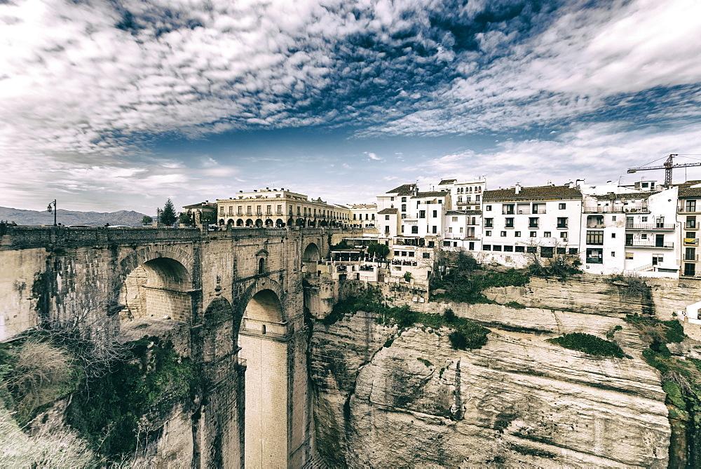 El Tajo gorge and the Puente Nuevo in Ronda, overlooking the new district, El Mercadillo, Malaga, Andalusia, Spain, Europe