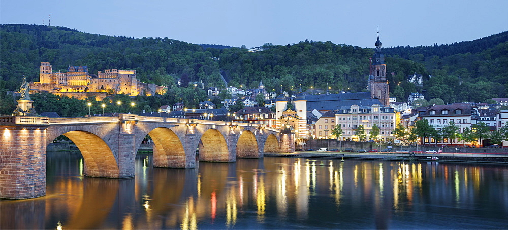 Alte Brucke bridge, Heidelberg Castle and River Neckar, Heidelberg, Baden-Wurttemberg, Germany, Europe