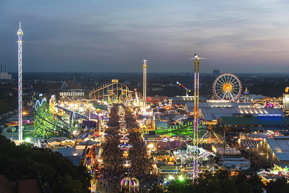 Rides at the Oktoberfest, evening mood, Oktoberfest, Theresienwiese, Munich, Upper Bavaria, Bavaria, Germany, Europe