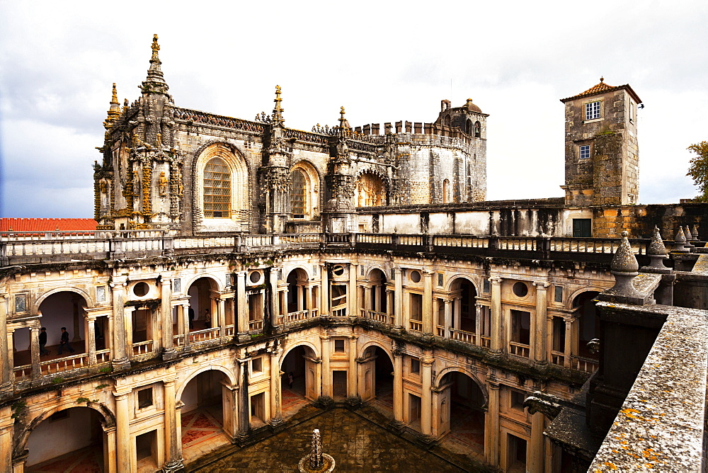 Great cloister, by Diogo do Torralva, fortified monastery Convento de Cristo of the Knights Templar, Tomar, Centro Region, Portugal, Europe