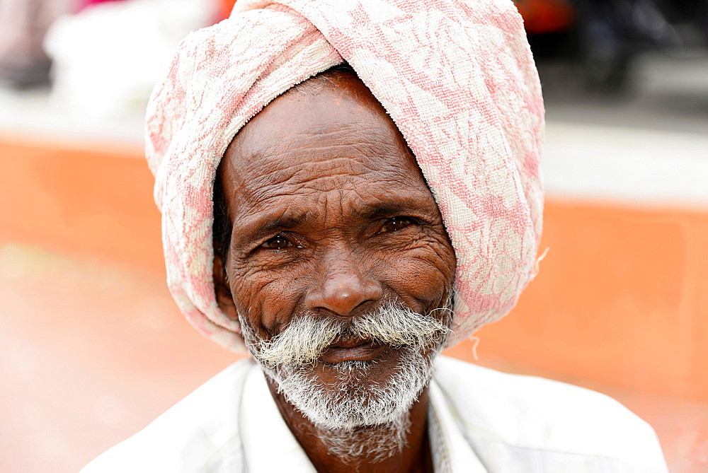 Elderly Indian man, portrait, Mysore, Karnataka, South India, India, Asia