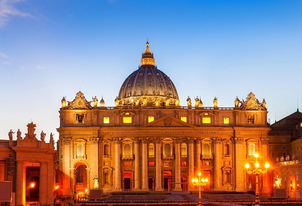 St. Peter's Basilica, San Pietro, St. Peter's Square, Vatican City, Vatican, Rome, Italy, Europe