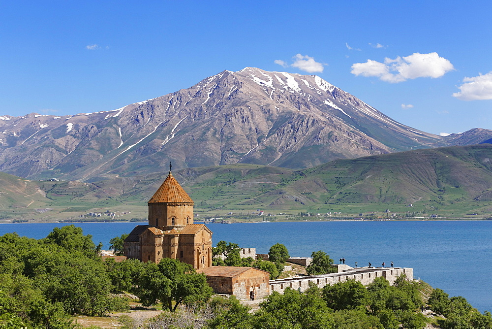 Armenian Church of the Holy Cross, Akdamar, Aghtamar, Akhtamar, Akdamar Adasi, Lake Van, mountain Cadir Dagi, Van Province, Eastern Anatolia Region, Anatolia, Turkey, Asia
