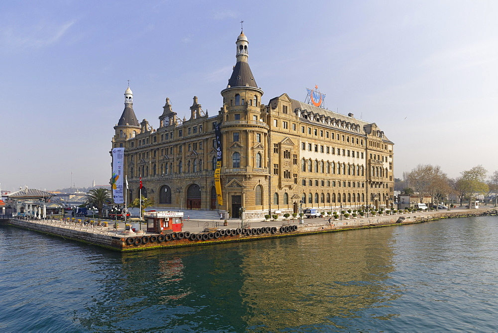 Haydarpasa Station on the Bosphorus, Kadikoy, Istanbul, Asian side, Turkey, Asia