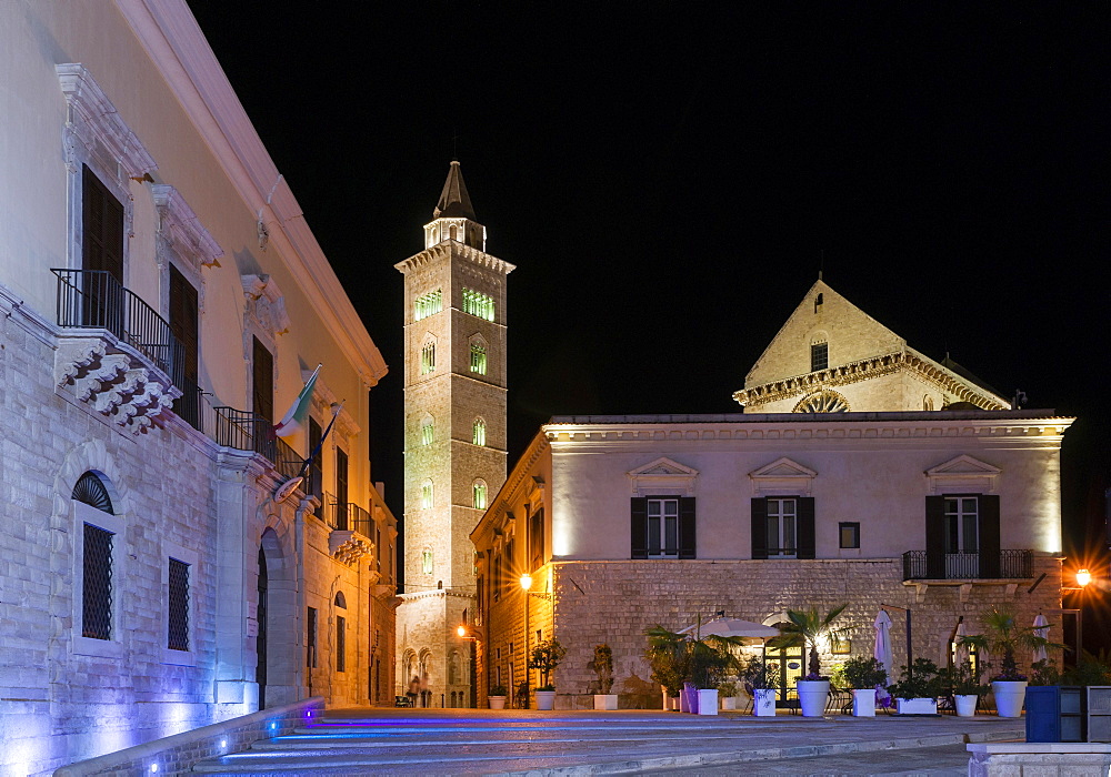 Night scene, Romanesque Trani Cathedral, 11th century, Piazza, Trani, Bari, Apulia, Italy Province