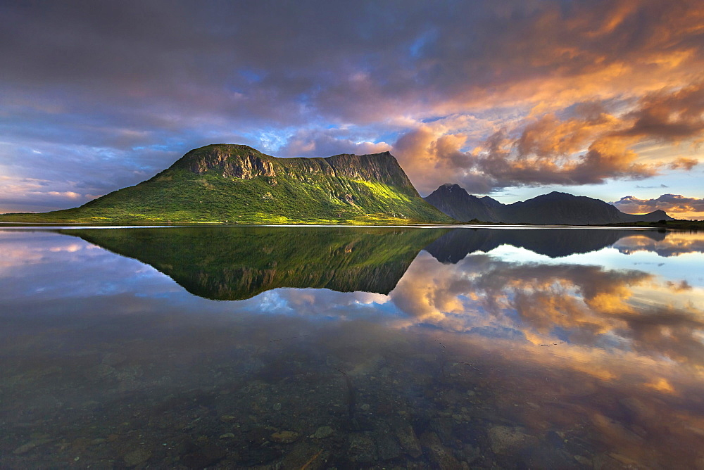 Evening light at Vagspollen with Offersoykammen Mountain, near Valberget, Vestvagoya, Lofoten, Nordland, Norway, Europe
