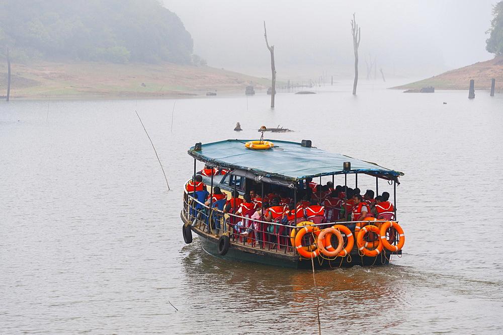 Safari boat, Periyar Dam, Thekkadi, Tamil Nadu, India, Asia