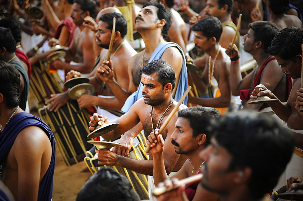 Musicians at Hindu temple festival, Thrissur, Kerala, South India, India, Asia