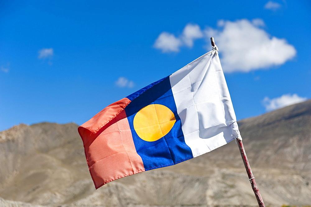 Buddhist flag, Lower Mustang, Himalayas, Nepal, Asia - 832-383296