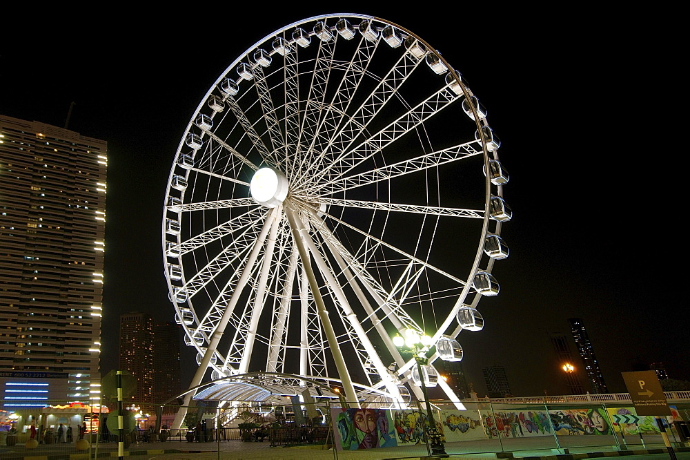 Ferris wheel at night, Sharjah, Emirate of Sharjah, United Arab Emirates, Asia