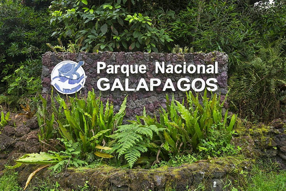 Sign of the Parque Nacional Galapagos, Galapagos National Park, Isabela Island, Galapagos Islands, Ecuador, South America - 832-383368
