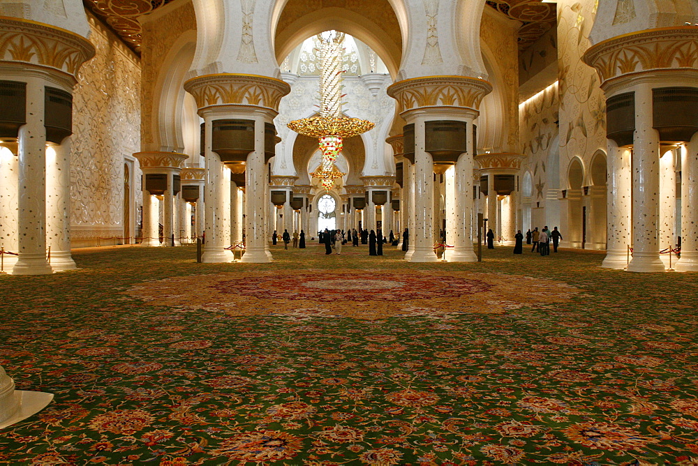 Interior, Sheikh Zayed Mosque, Abu Dhabi, Emirate of Abu Dhabi, United Arab Emirates, Asia