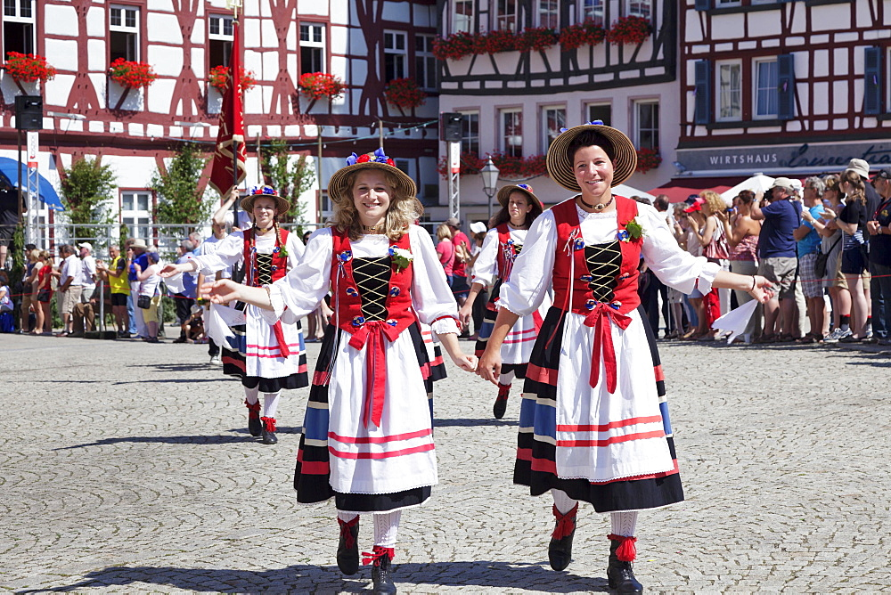 """""Butcher's girls"""", local costume group, historical parade, Schaferlauf festival, Bad Urach, Baden-Wurttemberg, Germany, Europe"