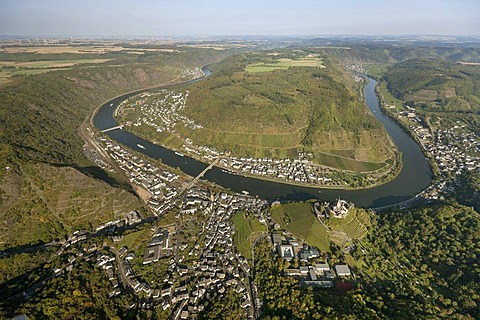 Aerial view, Cochem Imperial castle, loop of the Moselle River near Cochem, Eifel mountain range, Rhineland-Palatinate, Germany, Europe