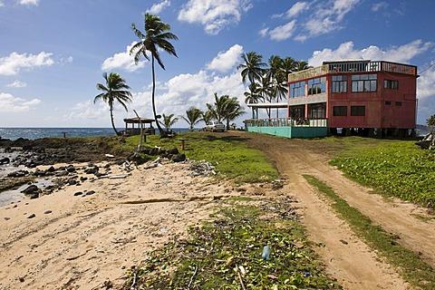 Restaurant, polluted beach, Big Corn Island, Caribbean Sea, Nicaragua, Central America