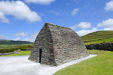 Gallarus Oratory, stone church, 6th to 8th Century, Dingle Penisula, County Kerry, Ireland, Europe