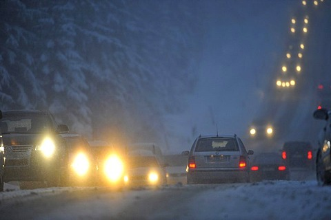 Snow chaos on the B4 federal highway in Harz near Torfhaus, Lower Saxony, Germany, Europe