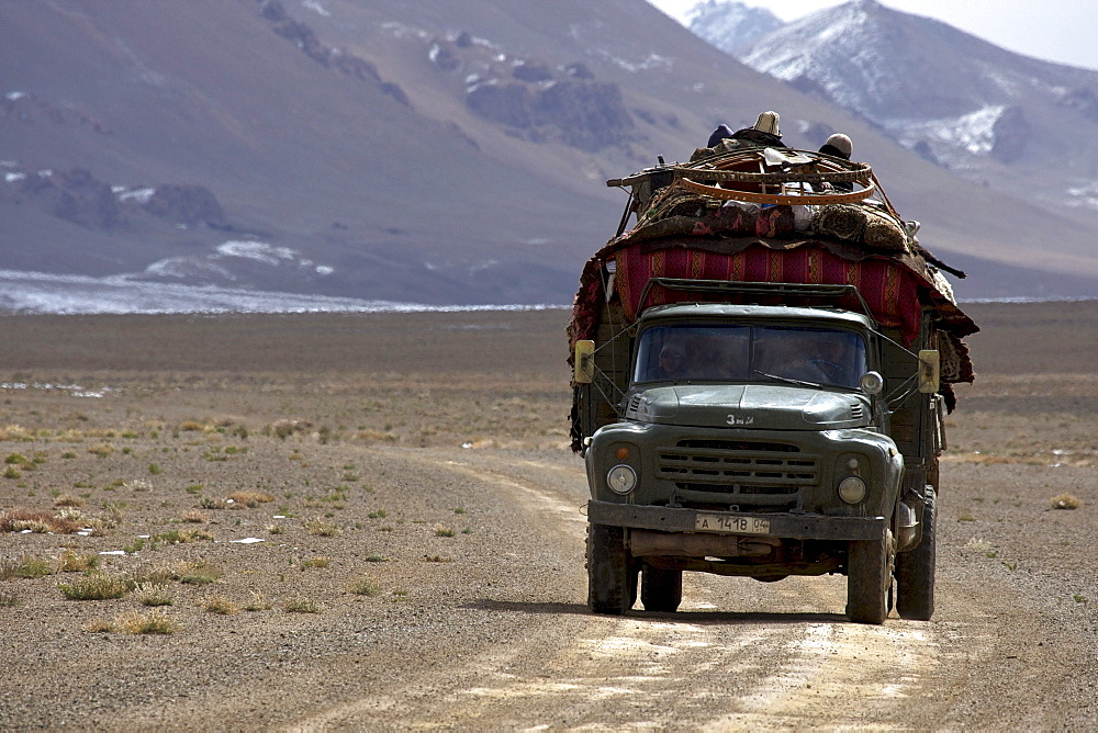 Truck carrying a dismantled yurt, Pamir, Tajikistan, Central Asia, Asia