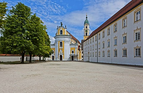 Kloster Ochsenhausen monastery, with St. Georg monastery church, Ochsenhausen, Biberach district, Upper Swabia, Baden-Wuerttemberg, Germany, Europe